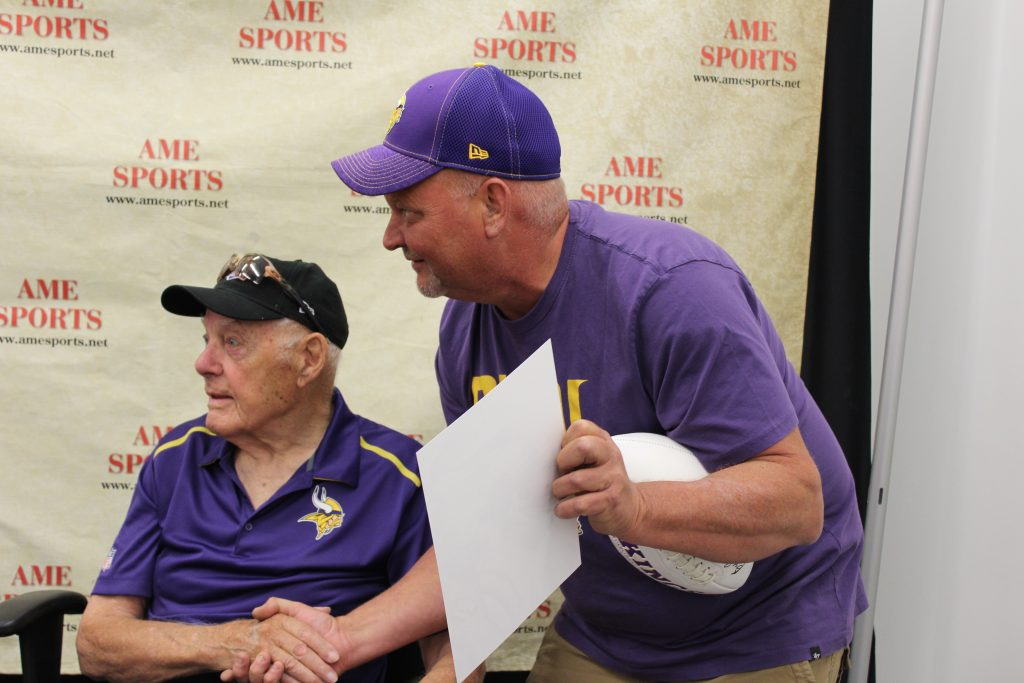 Autographed sports memorabilia, vikings collectibles, and signed sports posters in St. Paul, MN
