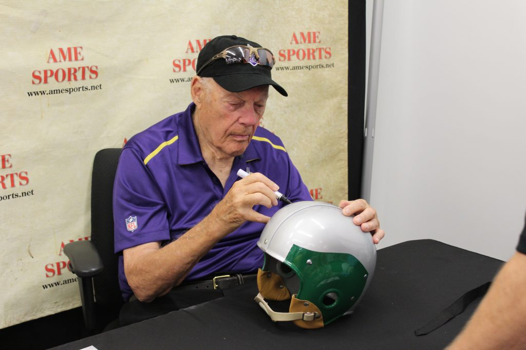 Vikings hall-of-famer signing event in the Twin Cities, MN